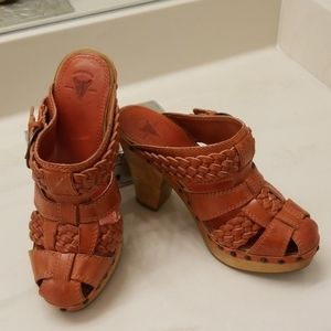 Frye leather Clogs like NEW